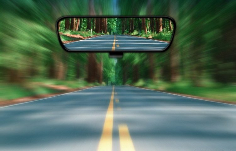 hindsight-rear-view-future-past-road-mirror-1000x640-1